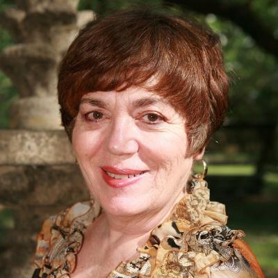 Lucia Capacchione, PhD, ATR, REAT
